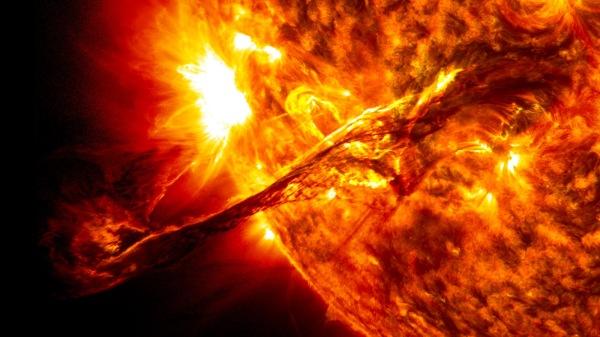 El Anatema Solar 3d1b2-giant_prominence_on_the_sun_erupted
